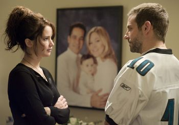 Silver-Linings-Playbook-Bradley-Cooper-Jennifer-Lawrence