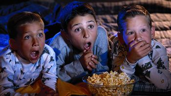 5 factor kids-watching-movie
