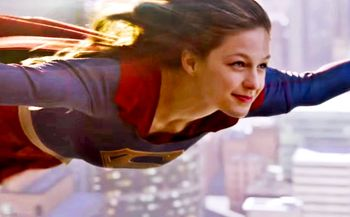 Supergirl-fly