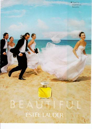 Wedding20party20running20on20beachvogue2